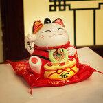 แต่งหน้าร้านด้วยแมวกวักญี่ปุ่น