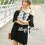 ( พร้อมส่งเสื้อผ้าเกาหลี) เดรสผ้าชีฟองสีขาว/ดำ ประดับดอกไม้สไตล์คลาสสิก ตัวนี้ดูเป็นสาวหวานแอบเซ็กซี่ น่ารักมากๆ ชายกระโปรงตัวนี้ไม่สั้นไม่ยาว สามารถใส่เป็นเดรสสั้นเดี่ยวๆหรือใส่เป็นเสื้อเข้ากับท่อนล่างก็ได้ค่ะ ช่วงไหล่เป็นสายเดี่ยว ตัดต่อมีแขนสั้น เผยไหล thumbnail 2