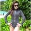 SM-V1-458 ชุดว่ายน้ำแขนยาววันพีช สีดำลายขาวดำสวยๆ มีซิปด้านหน้า thumbnail 1