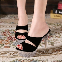 ** ไซส์ 42 43 ** รองเท้าแม็กซี่ ส้นสูง 4 นิ้ว ไซส์ใหญ่ ส้นและแพลทฟลอมเป็นชิ้นเดียวกัน ทนทานมาก รองเท้าส้นสูงไซส์ใหญ่ นำเข้าเกาหลีแท้ แข็งแรง เดินไม่โครงเครง มั่นคง
