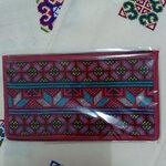 กระเป๋าใส่ธนบัตร สีแดงเลือดหมู แซมดอกแดง,ม่วง