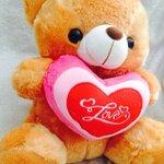 """ตุ๊กตาหมีบอกรัก ตุ๊กตาหมีกอดหัวใจปักคำว่า """"Love"""" ขนาด 40 เซนติเมตร สีน้ำตาลอ่อน"""