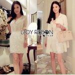 [พร้อมส่ง] เสื้อผ้าแฟชั่นเกาหลี Lady Ribbon's Made เดรสผ้าชีฟองปักดอกไม้และเลื่อมเข็มขัดสีขาว