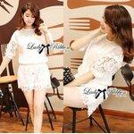 Lady Claire Classy Lace Set in White Size M: เซทเสื้อและกางเกงตัดแต่งผ้าลูกไม้สีขาว ขนาด M