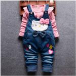 เสื้อ+เอี๊ยมกางเกง สีชมพู แพ็ค 4ชุด ไซส์ (เหมาะสำหรับ0-4ขวบ)