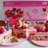 รหัสสินค้า 411 / Layer Cake - ตัวเค้กทรงกลมขนาดเท่าของจริง 1 ปอนด์ / เส้นผ่าศูนย์กลาง 18*18 เซ็น เค้กแบ่งเป็น 2 ชิ้น / ชั้นล่างสกรีนลายเค้กผลไม้ ด้านบนเป็นชั้นครีมสตอเบอรรี่ สีชมพู / จำนวน 8 ชิ้น
