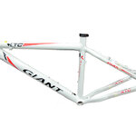 2012 TCR EMBO WHITE/RED