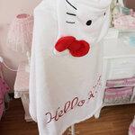 ผ้าคลุมไหล่ พร้อม Hood ลาย Hello Kitty เนื้อผ้าขนหนู มีสีขาวพร้อมส่ง