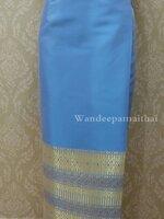 ผ้าถุงไหมสำเร็จรูปเนื้อดี สีฟ้าใส สวยมาก เอว28 นิ้วเลื่อนได้ถึง30 นิ้ว