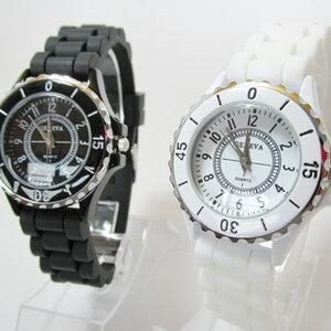 นาฬิกาข้อมือแฟชั่น( sizeเล็ก )  GENEVA ตัวเลขอารบิค ขอบเงิน
