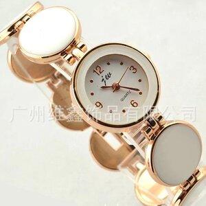 นาฬิกาข้อมือ ลวดลายกำไลกลมขาว หน้าปัดกลม สายสแตนเลส