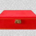 กล่องใส่พระหรู งานกำมะหยี่ สีแดง 3 ชั้น 54 ช่อง